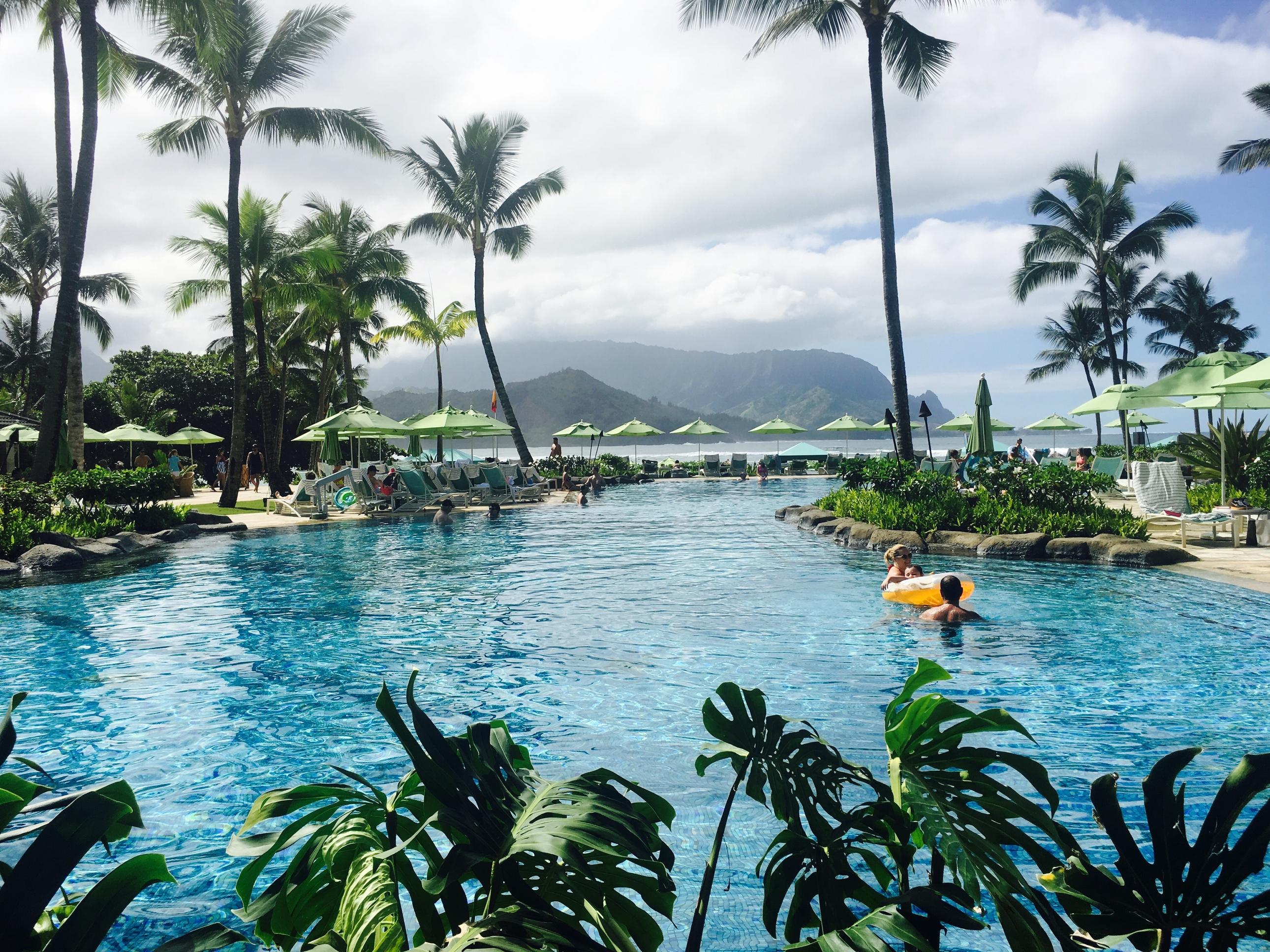 business-case-radio-links-satellite-far-away-resorts